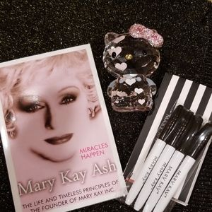 Set of Mary Kay Ash Book & Markers